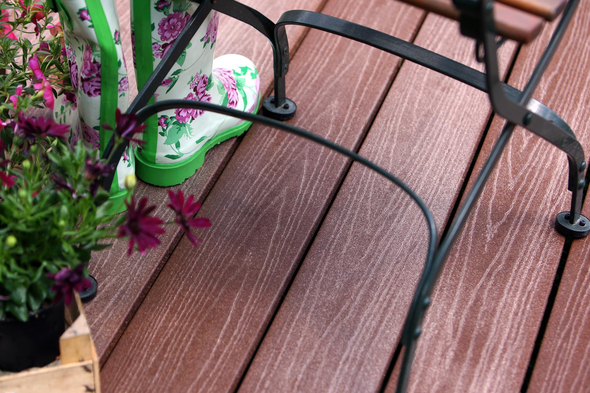 DIE KERNIGE WPC solid plank brown