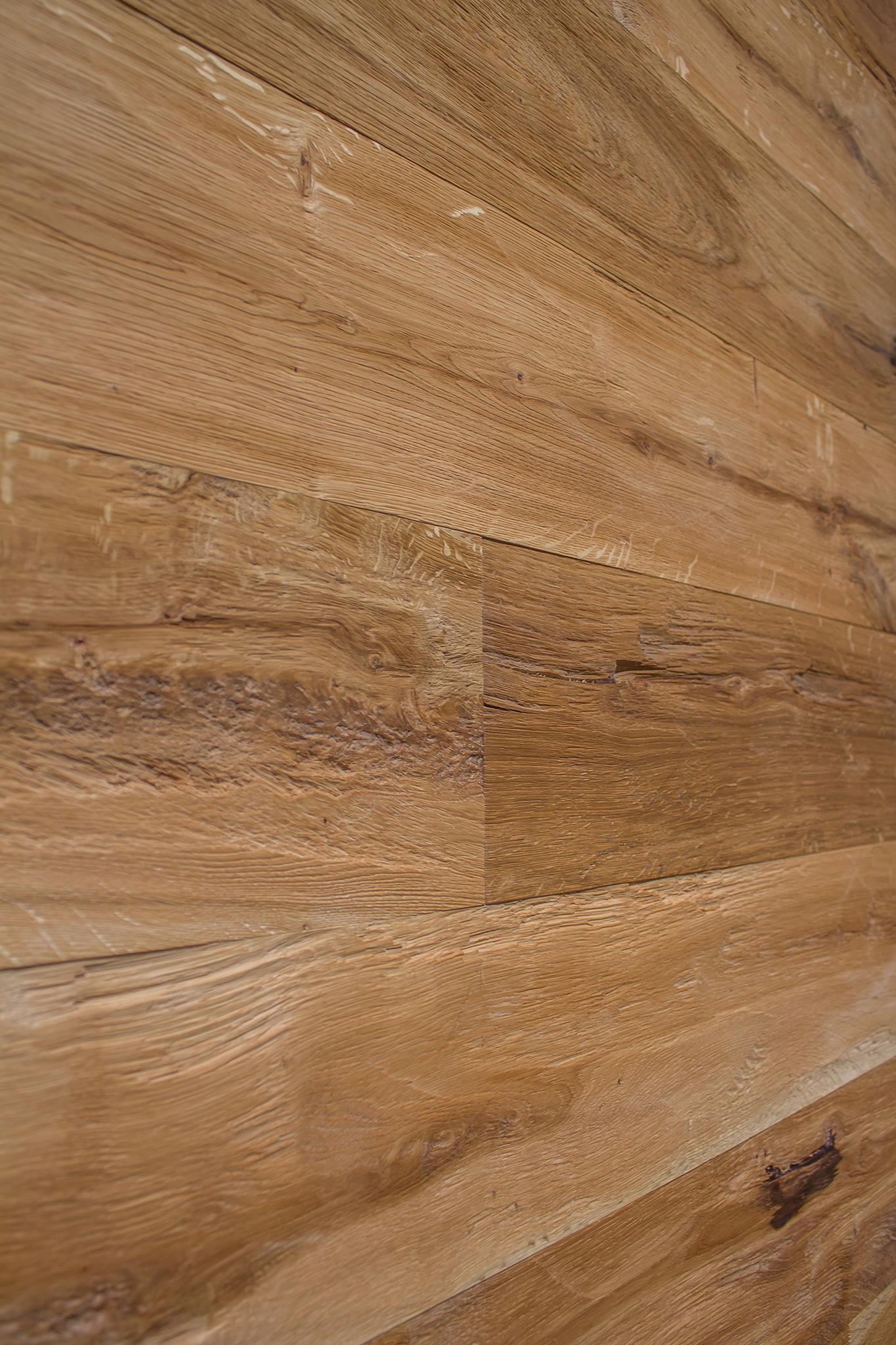 Vertical Wood wall cladding oak